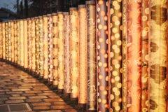 Κιμονό δασικό Yuzen στην περιοχή Arashiyama του θαλάμου Ukyo, πόλη του Κιότο, Ιαπωνία Στοκ Εικόνες