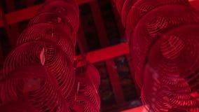 Κινήσεις καμερών πρός τα πάνω από το σπειροειδές κινεζικό φανάρι καλωδίων απόθεμα βίντεο