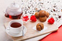 Κινεζικά μέσα τρόφιμα φεστιβάλ φθινοπώρου κινεζικό φεγγάρι κέικ παρ&alp Στοκ Εικόνες