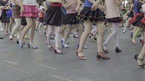 Κινεζικά παιδιά που χορεύουν στην κατηγορία πάρκων φιλμ μικρού μήκους