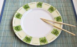 κινεζικά ραβδιά πιάτων Στοκ φωτογραφίες με δικαίωμα ελεύθερης χρήσης