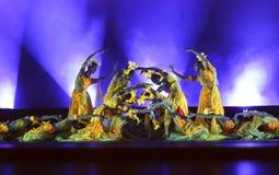 Κινεζικά σύγχρονα χορεύοντας κορίτσια Στοκ εικόνα με δικαίωμα ελεύθερης χρήσης