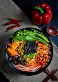 Κινεζικά τρόφιμα και κινεζικά νότια κινεζικά τρόφιμα νουντλς στοκ εικόνες με δικαίωμα ελεύθερης χρήσης