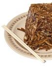 Κινεζικά τρόφιμα κοτόπουλου με το λάχανο και κινεζικά chopsticks Στοκ φωτογραφία με δικαίωμα ελεύθερης χρήσης