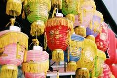 Κινεζικά φανάρια εγγράφου σε μια αγορά Στοκ εικόνα με δικαίωμα ελεύθερης χρήσης