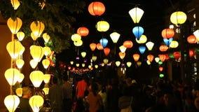 Κινεζικά φανάρια σε μια οδό σε Hoi τη νύχτα, Βιετνάμ απόθεμα βίντεο