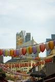 Κινεζικά φανάρια στις οδούς της Σιγκαπούρης Στοκ Εικόνα
