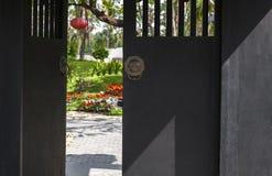 Κινεζικές ξύλινες πόρτες/κινεζικά σχέδια πορτών περίπτερων στη δυναστεία του Tang στοκ φωτογραφίες