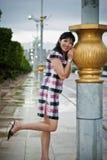 Κινεζική κυρία γραφείων σε υπαίθριο, PutraJaya, Μαλαισία Στοκ Φωτογραφίες