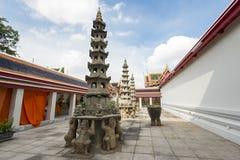 Κινεζική παγόδα σε Wat Pho, ναός του ξαπλώνοντας Βούδα, Μπανγκόκ, Ταϊλάνδη Στοκ εικόνες με δικαίωμα ελεύθερης χρήσης