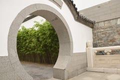 Κινεζική πύλη κήπων Στοκ φωτογραφία με δικαίωμα ελεύθερης χρήσης