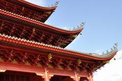 Κινεζική στέγη ναών ύφους στο κλίμα μπλε ουρανού Στοκ εικόνες με δικαίωμα ελεύθερης χρήσης