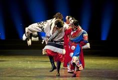 Κινεζικοί θιβετιανοί εθνικοί χορευτές Στοκ Φωτογραφίες