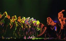 Κινεζικοί λαϊκοί χορευτές Στοκ εικόνες με δικαίωμα ελεύθερης χρήσης