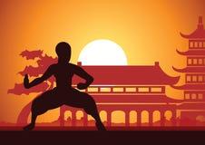 Κινεζικός εγκιβωτίζοντας διάσημος αθλητισμός πολεμικής τέχνης Kung Fu, τραίνο μοναχών που παλεύει, γύρω με τον κινεζικό ναό διανυσματική απεικόνιση