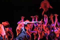 Κινεζικός εθνικός χορός ομάδας Στοκ φωτογραφία με δικαίωμα ελεύθερης χρήσης