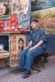 Κινεζικός προμηθευτής στην αγορά Panjiayuan, Πεκίνο, Κίνα Στοκ φωτογραφία με δικαίωμα ελεύθερης χρήσης