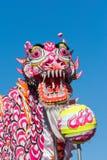 Κινεζικός δράκος κατά τη διάρκεια του χρυσού δράκου Parede. Στοκ Εικόνες