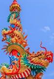 Κινεζικός δράκος στον πόλο Στοκ εικόνες με δικαίωμα ελεύθερης χρήσης
