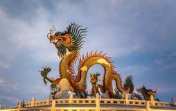 Κινεζικό άγαλμα δράκων, πάρκο Nakornsawan, Ταϊλάνδη Στοκ Εικόνες