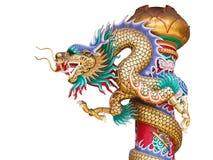 Κινεζικό άγαλμα δράκων στον πόλο που απομονώνεται με το ψαλίδισμα της πορείας Στοκ Εικόνες