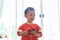 Κινεζικό αγόρι στο κινεζικό νέο φεστιβάλ έτους στοκ φωτογραφία