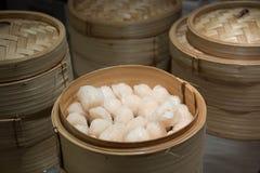 Κινεζικό αμυδρό ποσό μπουλεττών γαρίδων Στοκ εικόνες με δικαίωμα ελεύθερης χρήσης