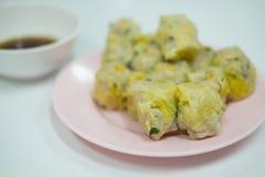 Κινεζικό αμυδρό ποσό τροφίμων στο πιάτο Στοκ φωτογραφία με δικαίωμα ελεύθερης χρήσης