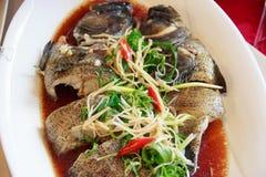 Κινεζικό γεύμα πιάτων ψαριών ύφους Στοκ φωτογραφία με δικαίωμα ελεύθερης χρήσης