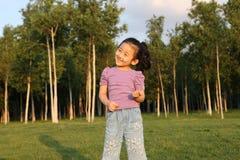 Κινεζικό εύθυμο κορίτσι Στοκ εικόνες με δικαίωμα ελεύθερης χρήσης