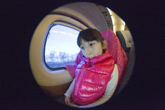 Κινεζικό κορίτσι στο τραίνο Στοκ Φωτογραφία