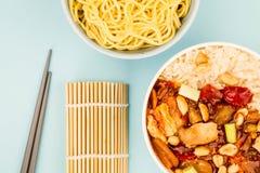 Κινεζικό κοτόπουλο Kung Po ύφους με το ρύζι Στοκ Φωτογραφίες