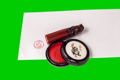 Κινεζικό μαξιλάρι γραμματοσήμων και μελανιού στο φάκελο Στοκ φωτογραφίες με δικαίωμα ελεύθερης χρήσης