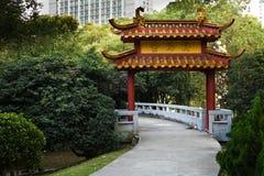 κινεζικό πάρκο πυλών Στοκ εικόνα με δικαίωμα ελεύθερης χρήσης