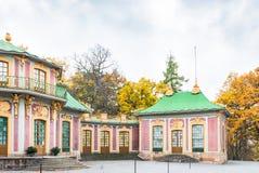 Κινεζικό περίπτερο στο παλάτι Drottningholm μια νεφελώδη ημέρα φθινοπώρου Στοκ φωτογραφία με δικαίωμα ελεύθερης χρήσης