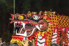 Κινεζικό φεστιβάλ δράκων σε Yogyakarta τη νύχτα Στοκ φωτογραφία με δικαίωμα ελεύθερης χρήσης