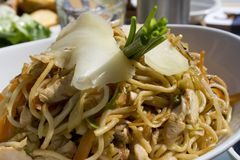 κινεζικό noodle κοτόπουλου Στοκ Εικόνα