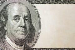 Κινηματογράφηση σε πρώτο πλάνο δολαρίων Πορτρέτο του Benjamin Franklin ` s στο λογαριασμό εκατό δολαρίων με το διάστημα αντιγράφω Στοκ φωτογραφία με δικαίωμα ελεύθερης χρήσης