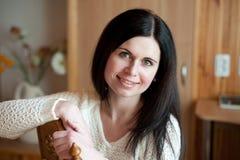 Κινηματογράφηση σε πρώτο πλάνο ενός νέου χαμόγελου γυναικών Στοκ εικόνες με δικαίωμα ελεύθερης χρήσης