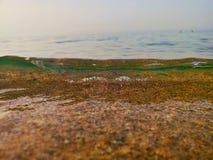 Κινηματογράφηση σε πρώτο πλάνο κυμάτων στην παραλία στοκ φωτογραφία με δικαίωμα ελεύθερης χρήσης