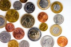 Κινηματογράφηση σε πρώτο πλάνο ξένου νομίσματος των διεθνών νομισμάτων χρημάτων Στοκ Φωτογραφία