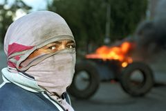 Κινηματογράφηση σε πρώτο πλάνο που διαμαρτύρεται τον αργεντινό εργαζόμενο για το οδόφραγμα Στοκ εικόνες με δικαίωμα ελεύθερης χρήσης
