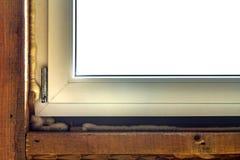 Κινηματογράφηση σε πρώτο πλάνο της νέας εγκατάστασης παραθύρων με τον αφρό στοκ φωτογραφίες με δικαίωμα ελεύθερης χρήσης