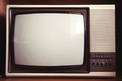 Κινηματογράφηση σε πρώτο πλάνο της παλαιάς συσκευής τηλεόρασης Στοκ φωτογραφία με δικαίωμα ελεύθερης χρήσης
