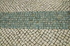 Κινηματογράφηση σε πρώτο πλάνο του άσπρου πεζοδρομίου πετρών στην τετραγωνική μορφή στοκ φωτογραφίες με δικαίωμα ελεύθερης χρήσης
