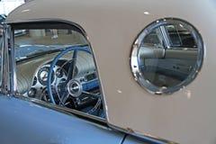 Κινηματογράφηση σε πρώτο πλάνο του παλαιού αυτοκινήτου Στοκ Εικόνα