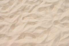 Κινηματογράφηση σε πρώτο πλάνο του σχεδίου άμμου μιας παραλίας το καλοκαίρι Στοκ φωτογραφίες με δικαίωμα ελεύθερης χρήσης