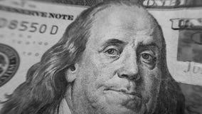 Κινηματογράφηση σε πρώτο πλάνο του Ben Franklin στο λογαριασμό εκατό δολαρίων Στοκ Φωτογραφία