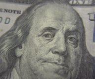 Κινηματογράφηση σε πρώτο πλάνο του Benjamin Franklin στο λογαριασμό εκατό δολαρίων Στοκ εικόνα με δικαίωμα ελεύθερης χρήσης