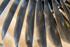 Κινηματογράφηση σε πρώτο πλάνο των λεπίδων ανεμιστήρων αεριωθούμενων μηχανών Στοκ Εικόνες